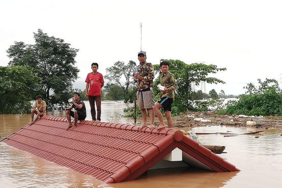Zrušenje jezu hidroelektrarne Xepian-Xe Nam Noy v Laosu zahtevalo več deset življenj