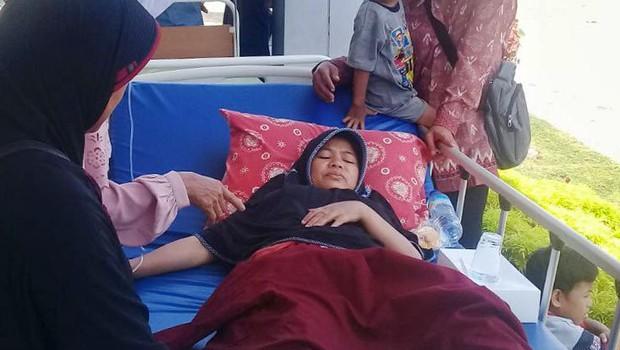 Po potresu na indonezijskem otoku Lombok je na gori ujetih več sto ljudi (foto: profimedia)