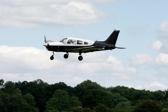 Dve letalski nesreči v Švici: na starodobnem letalu iz 2. svetovne vojne bi lahko bilo 20 ljudi