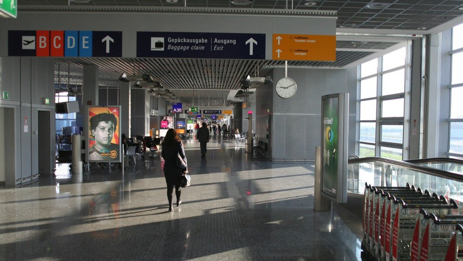 Del frankfurtskega letališča po evakuaciji znova odprt (foto: Profimedia)
