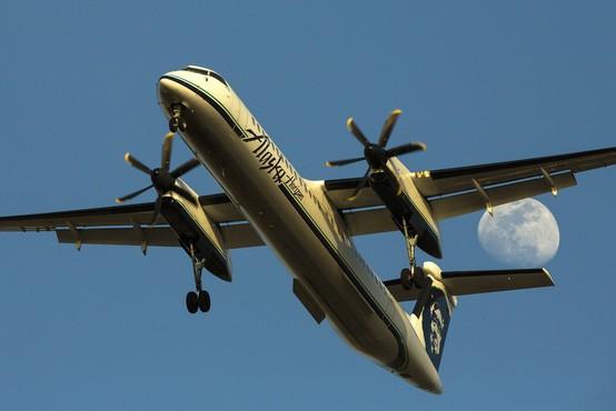Mlad mehanik letalske družbe Alaska Airlines je ukradel letalo, poletel do otoka Ketron in strmoglavil