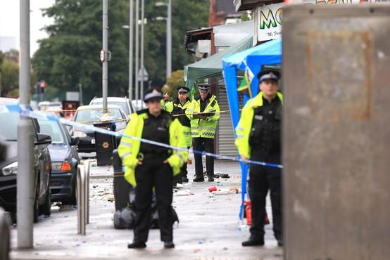 Karibski karneval na manchestrskih ulicah se je končal s streljanjem, 10 ranjenih