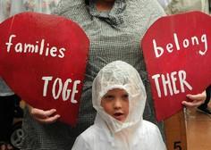 V oskrbi ameriške vlade je še 565 otrok, ki so jih ločili od ilegalnih migrantov