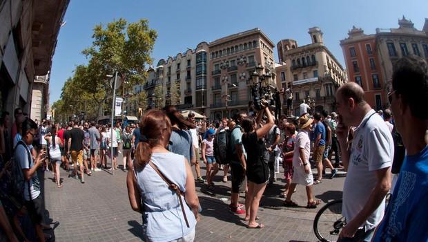 V Barceloni ob poskusu napada na policijsko postajo ubit moški (foto: profimedia)