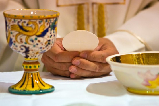 Sram in trpljenje, ker se cerkvene oblasti niso ustrezno spopadle s spolnimi zlorabami grešnih duhovnikov