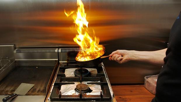V Srbiji so se pomerili v kuhanju testisov (foto: Profimedia)