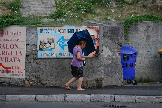 Ponekod na Hrvaškem hudo neurje, siloviti sunki vetra, dež in toča