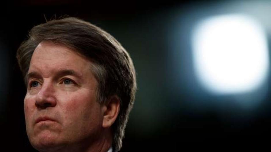 FBI ima dovoljenje za širšo preiskavo Bretta Kavanaugha (foto: STA)