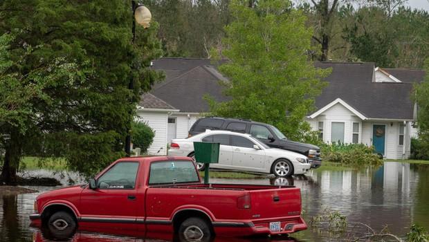 Severno Karolino po orkanu preplavila tropska depresija Florence (foto: Profimedia)