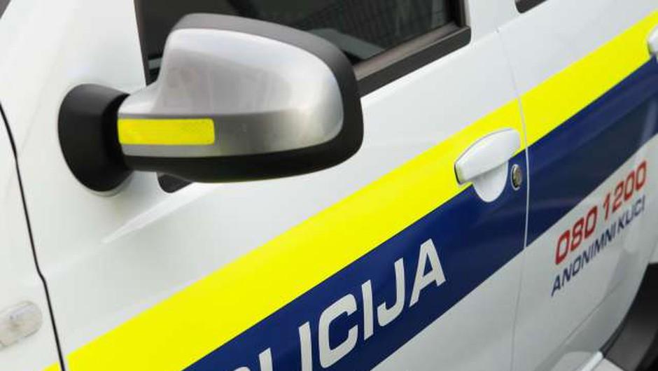 V občini Osilnica ustreljena ženska - policisti so prijeli osumljenca (foto: Daniel Novakovič/STA)