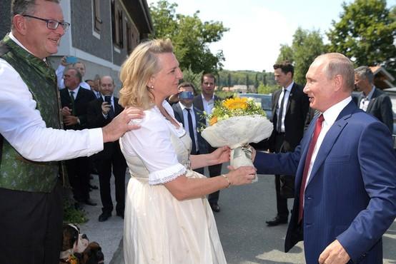 Varovanje na poroki avstrijske zunanje ministrice je stalo skoraj 223.000 evrov