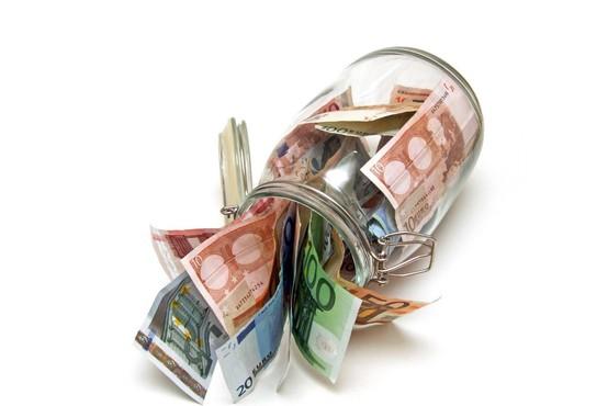 V državno blagajno se je lani steklo več denarja od davkov in socialnih prispevkov