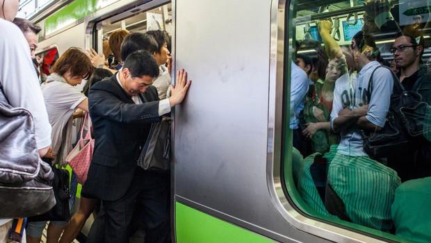 Tajfun Trami po japonskih otokih dosegel še Tokio in zahteval žrtve (foto: profimedia)