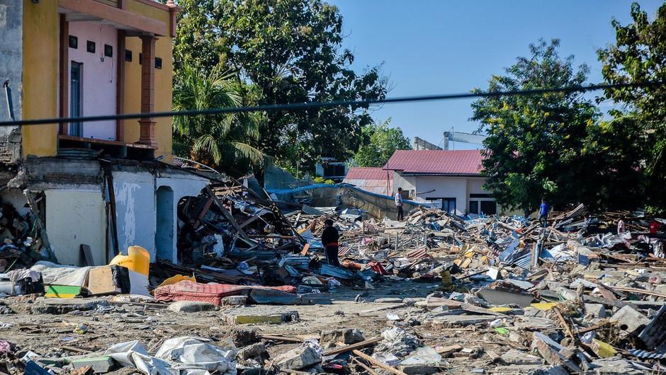 Že več kot 1200 žrtev potresa in cunamija v Indoneziji (foto: Profimedia)