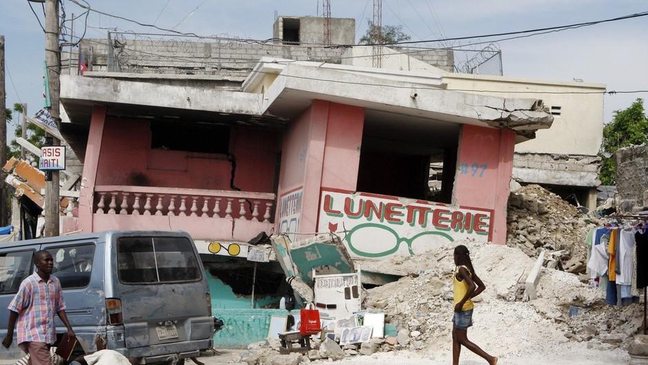 Tla na Haitiju so se spet tresla, najmanj 10 mrtvih (foto: profimedia)
