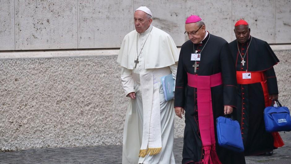 Najhujša cerkvena kazen za čilska dostojanstvenika - papež ju je razrešil duhovniškega poklica (foto: profimedia)