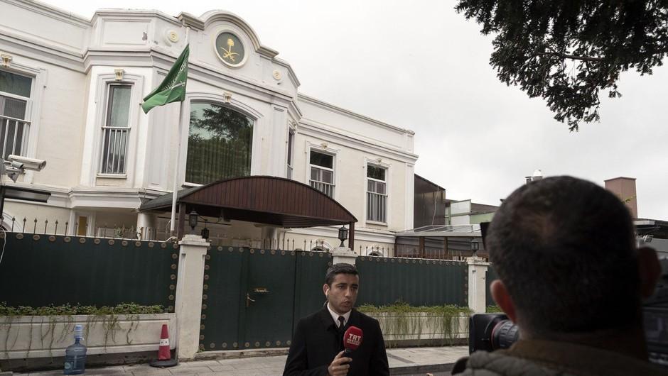 Džamal Hašodži je mislil naprej: pametno uro naj bi naravnal za snemanje dogajanja (foto: profimedia)
