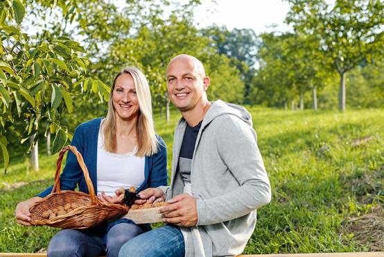 Mark Kališnik in Tina Berlec (Štartaj Slovenija) predstavita svoj produkt Mul'c