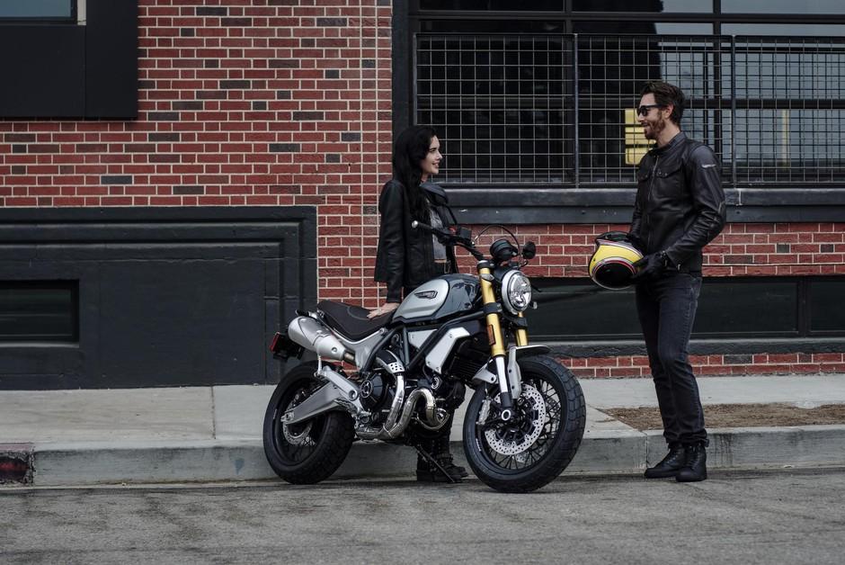 Ducati - stroj za uživanje tudi v dvoje (foto: Ducati)