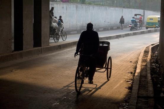 New Delhi zavit v gost smog, kakovost zraka pa naj bi se te dni še poslabšala!