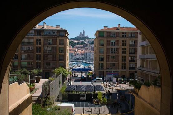 Po zrušenju dveh zgradb v Marseillu mrtvi in pogrešani