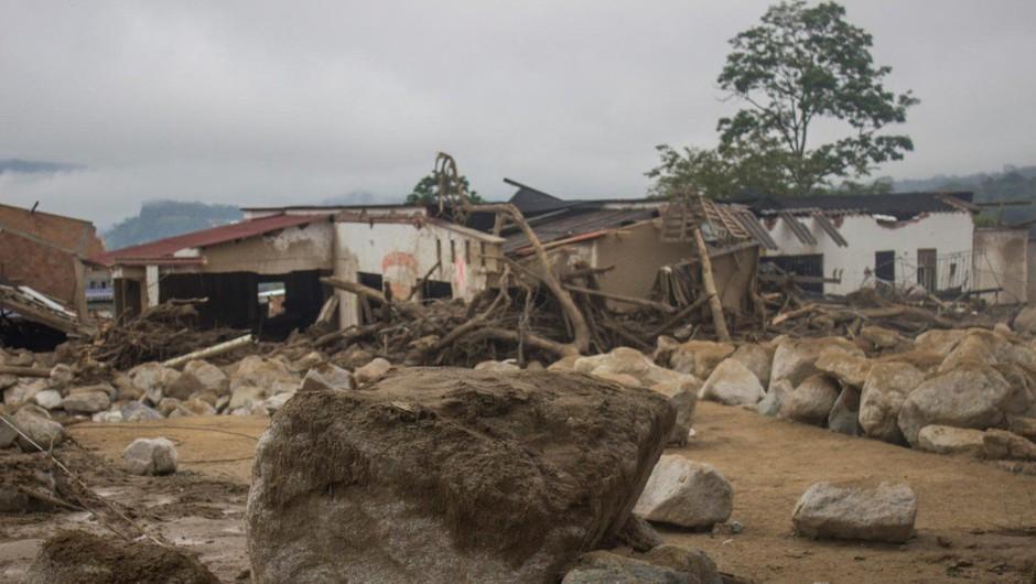 Po močnem deževju v Braziliji zemeljski plaz pokopal najmanj deset ljudi (foto: profimedia)