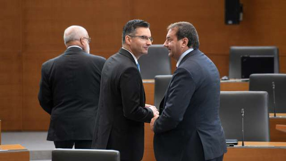 V Šarčevem kabinetu je vroče: Bandelli dobil ultimat! (foto: Nebojša Tejić/STA)