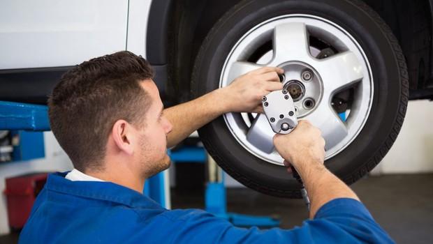 Od danes dalje obvezna zimska oprema za avtomobile! (foto: Profimedia)
