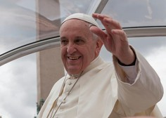 Papež Frančišek: Zaradi ropota nekaj bogatih se ne sliši krika revnih