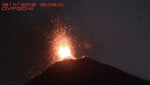 V Gvatemali rdeče opozorilo ob ponovnem izbruhu ognjenika Fuego (foto: profimedia)