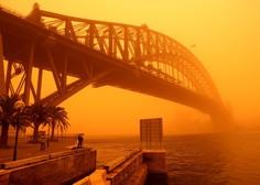 Avstralijo zajel ogromen peščeni val in jo obarval oranžno