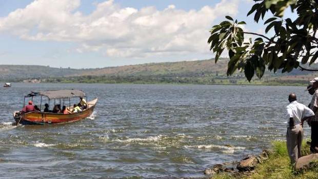 Nova nesreča na Viktorijinem jezeru, tokrat naj bi ladjo najeli za zabavo (foto: STA)