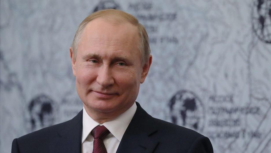 Moskva s humorjem pospremila Trumpovo košarico (foto: profimedia)