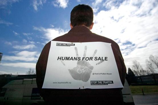 V EU v dveh letih registrirali več kot 20.000 žrtev trgovine z ljudmi