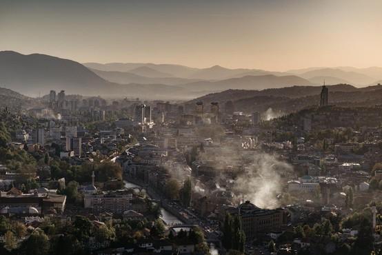 Sarajevo te dni postalo mesto z najbolj onesnaženim zrakom na svetu