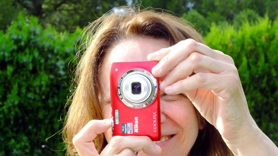 Varstvo podatkov: Uredba ne prepoveduje fotografiranja lastnega otroka na prireditvi (foto: Profimedia)