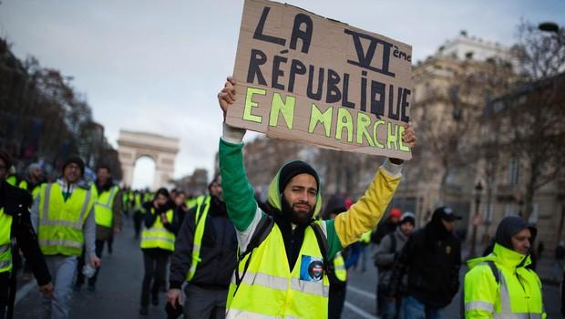 Po četrti soboti protestov je francoski premier napovedal, da je čas za dialog (foto: profimedia)