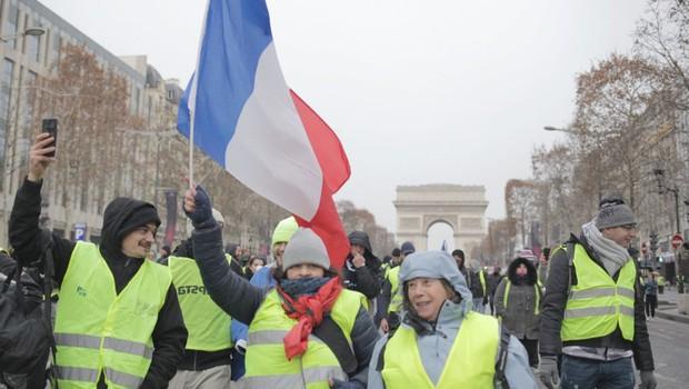 Na protestih v Parizu tokrat nekaj tisoč ljudi (foto: Profimedia)