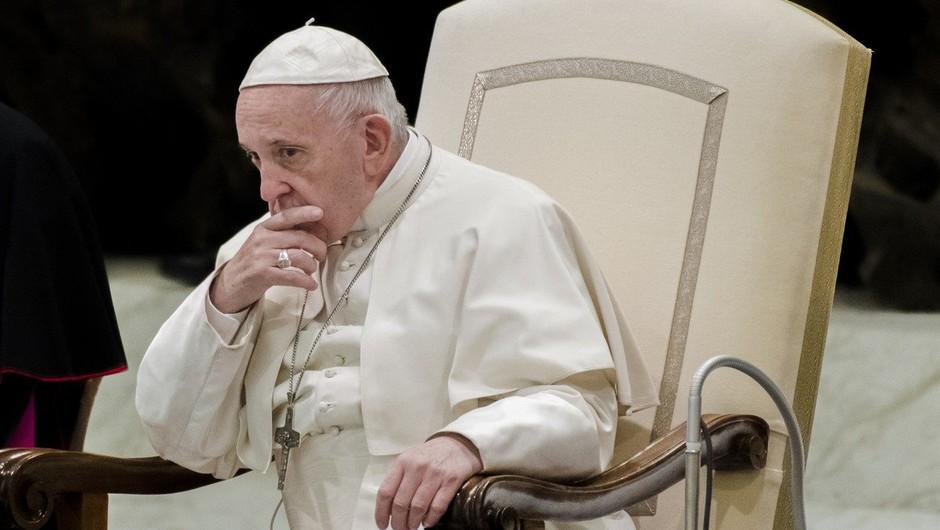 """Papež duhovnikom, ki so zlorabljali otroke: """"Predajte se roki pravice!"""" (foto: profimedia)"""