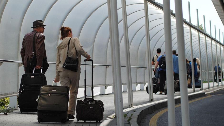 Zaradi okvare na letališču v Benetkah obtičali številni potniki (foto: Profimedia)