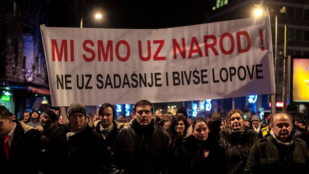 V Srbiji se krepijo protesti proti predsedniku Vučiću (foto: Profimedia)