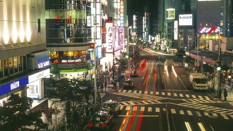 V Tokiu z avtomobilom zapeljal v množico in ranil več ljudi (foto: profimedia)