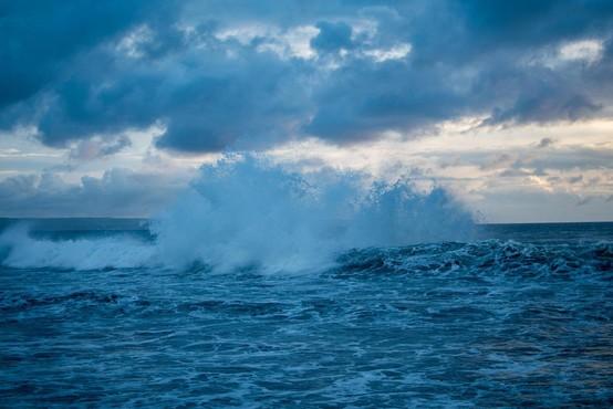 Za hrvaško obalo razglasili rdeči alarm zaradi vetra