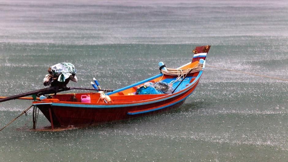 Na Tajskem zaradi nevihte obtičalo več tisoč ljudi (foto: Profimedia)