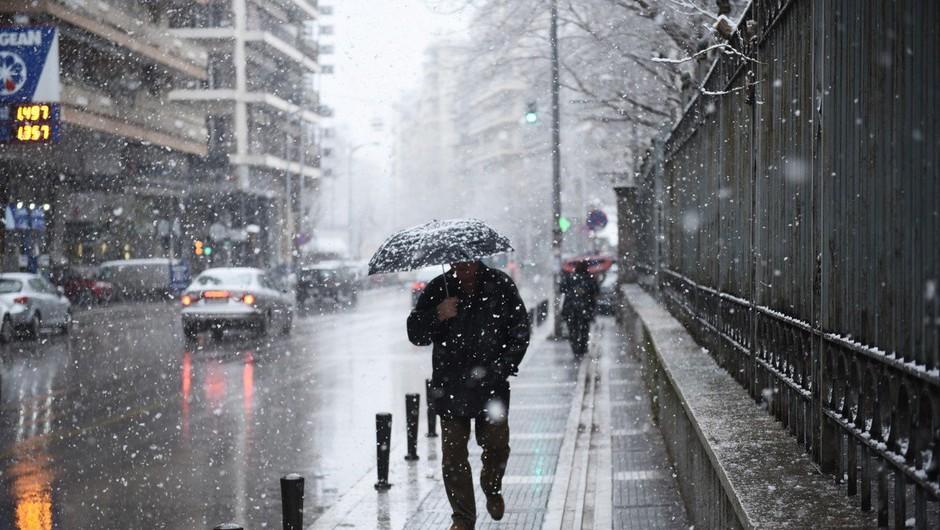 Močno sneženje povzročilo številne nevšečnosti, na letališču v Münchnu odpovedali 120 letov (foto: Profimedia)