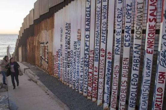 Trump vztraja pri gradnji zidu na meji z Mehiko
