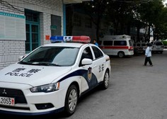 V Pekingu moški napadel z nožem in ranil 20 otrok