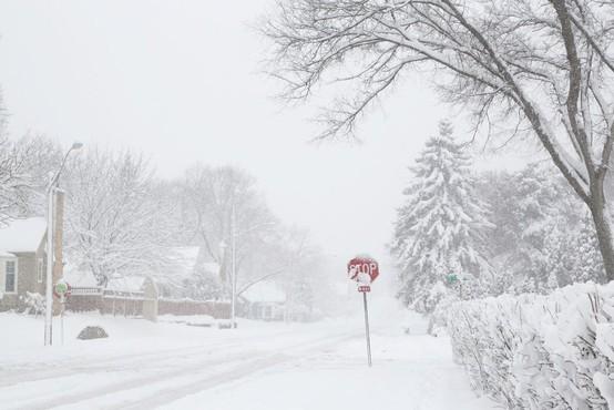Zaradi snega še vedno pravi kaos v Nemčiji, Švici in Avstriji