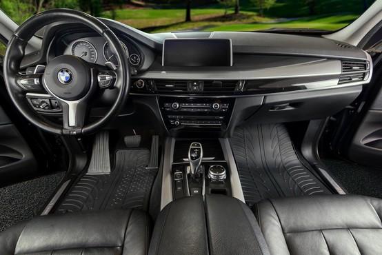 Gumijasti tepihi: V naš avtomobil sodi samo najboljše!