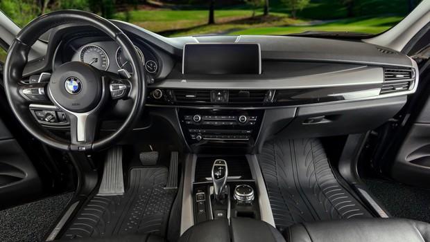 Gumijasti tepihi: V naš avtomobil sodi samo najboljše! (foto: Gledring)